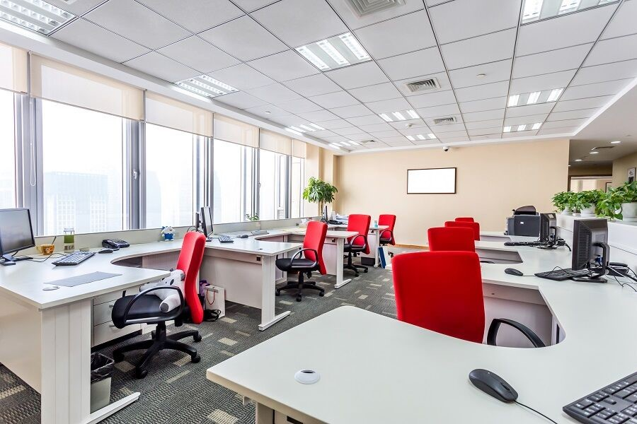 4 Ways Motorized Shades Benefit Your Office