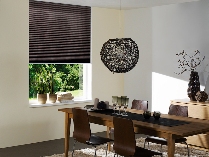 How to Choose the Best Motorized Shades for Your Home's Décor