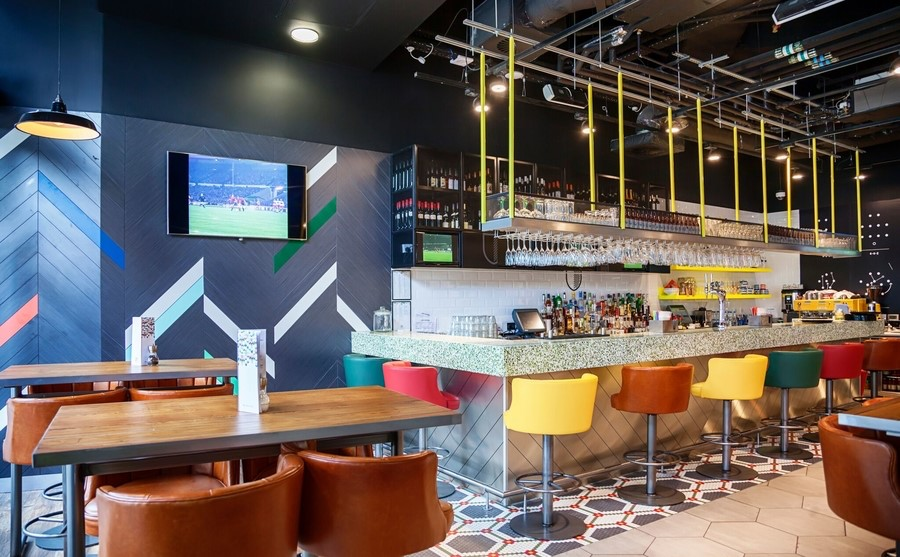 Commercial Audio Video System Elevates Your Restaurant in Every Way