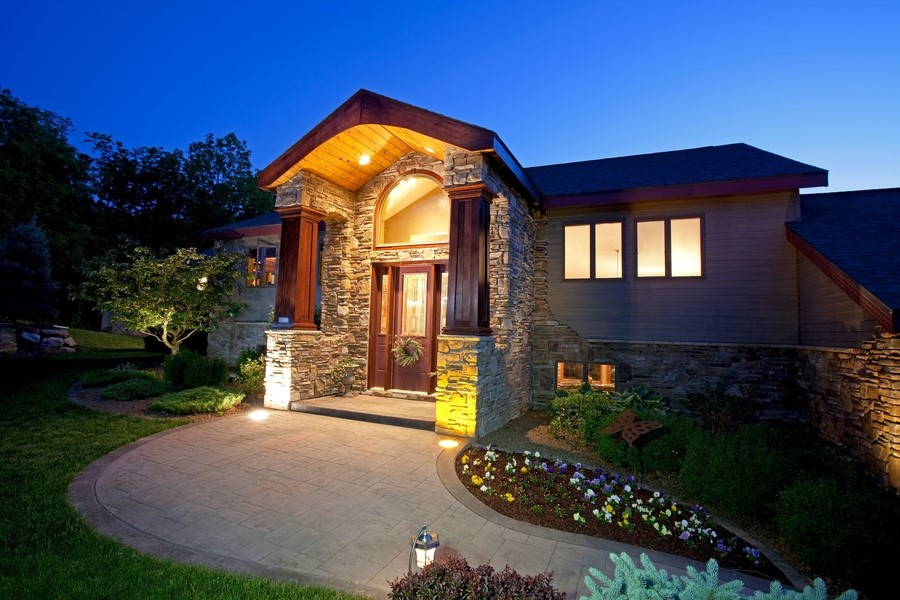 What are the Benefits of Landscape Lighting?